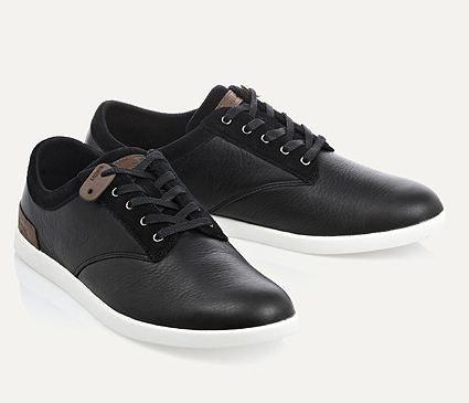 Chaussures noires Lacoste Eté 2012 - Sélection de looks