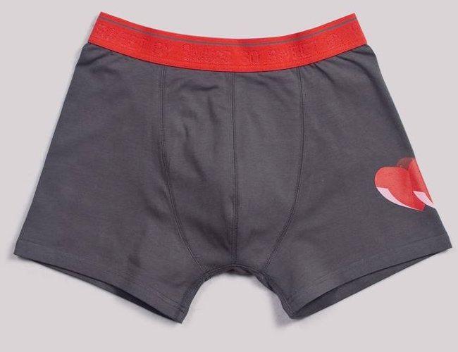 Boxer uni gris et rouge avec coeur