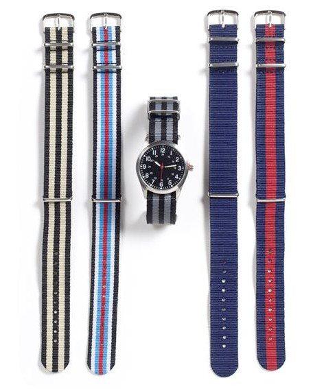 Montre avec différents bracelet de couleur