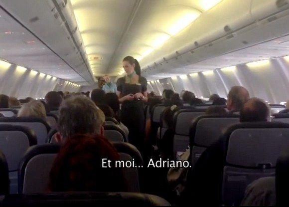 Les consignes de sécurité par Adriano, commandant de bord chez Kulula Airways