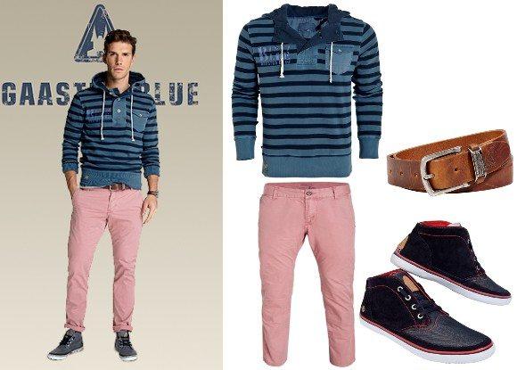Homme en pantalon rose