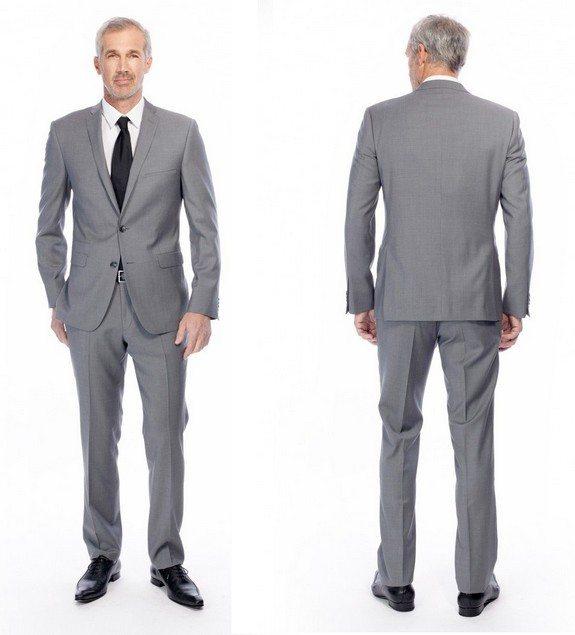 Le costume homme est en effet une pièce maîtresse dans votre dressing: la coupe de la veste, tout autant que la couleur ou que la façon de la porter doivent être sérieusement étudiés avant de sélectionner l'ensemble qui fera votre bonheur. Le choix des couleurs pour les costumes Brice.