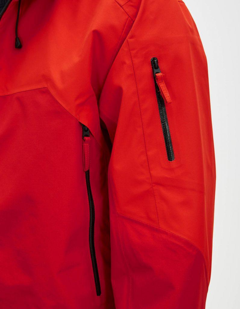 Parka courte rouge détail poche Celio